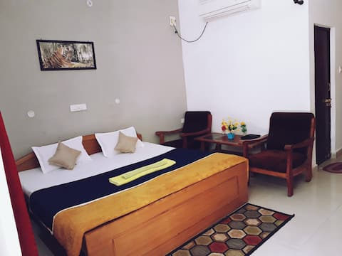 Deluxe room with garden view near tala gate