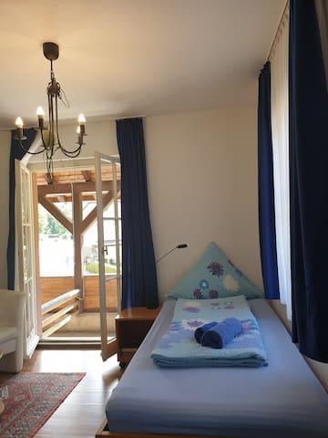 Luchs Hostel im Hirschen, Einzelzimm., Bad/ Balkon