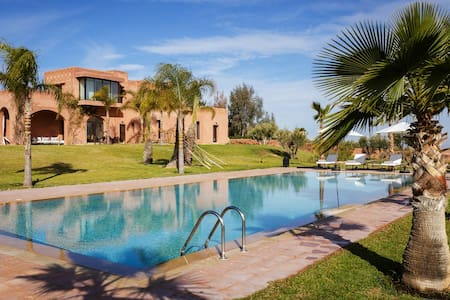 Stunning modern villa close to Marrakesh - Tamesluht - Casa