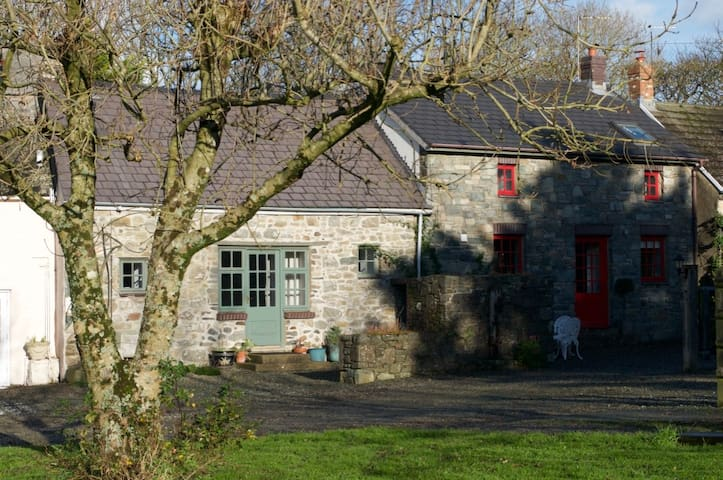 The Stable @ Nogg Cottages - Solva - Hus