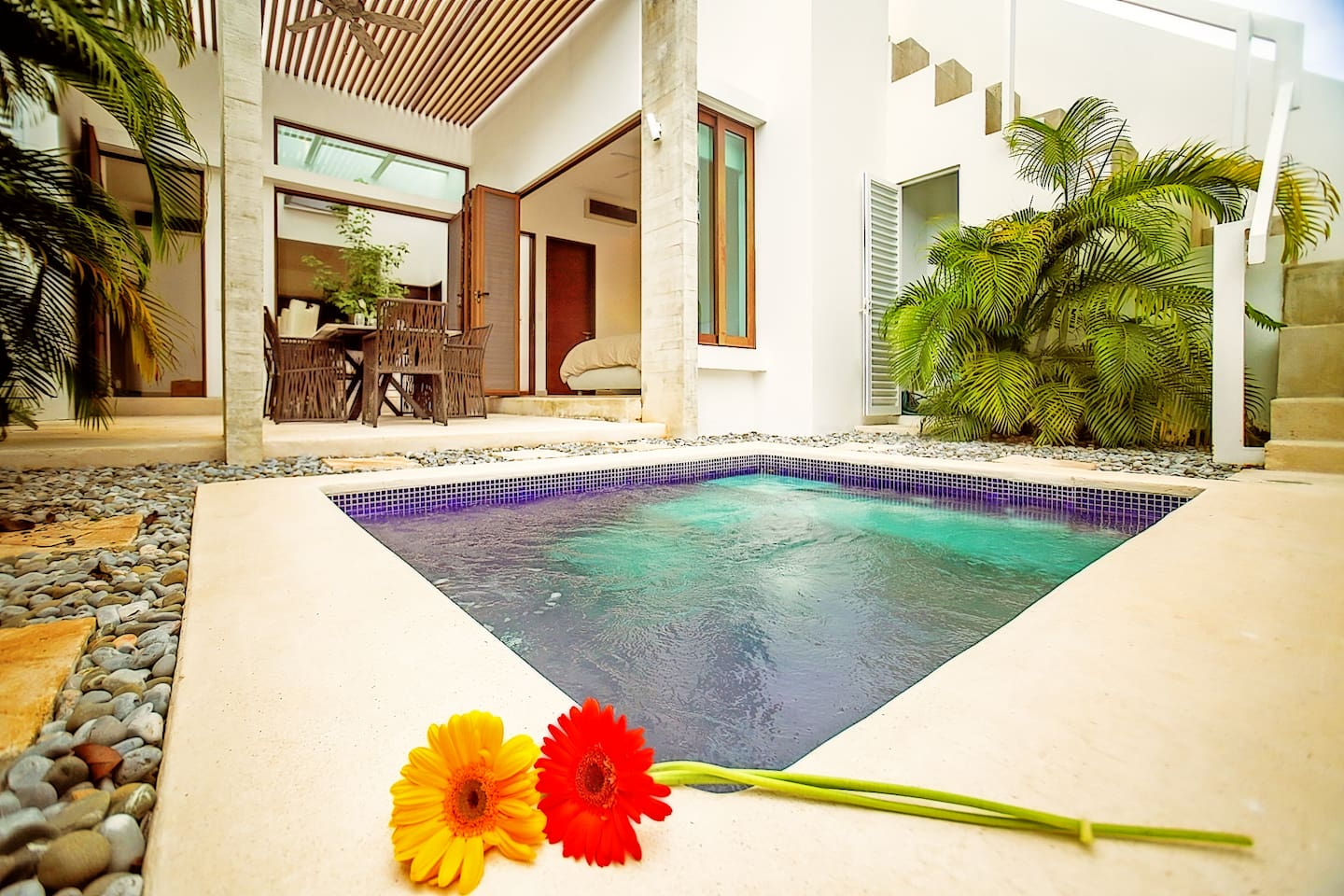 Spacious Townhome and perfect for families and big groups with a private plunge pool.