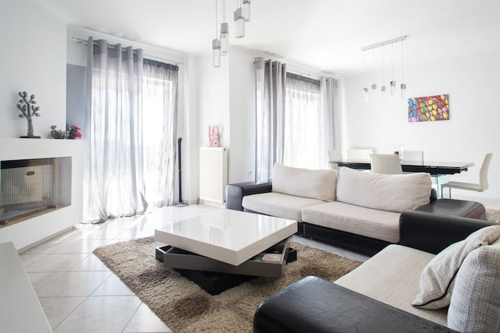 Big cozy apartment near park, bus. Acropolis view! - Vironas - Apartamento