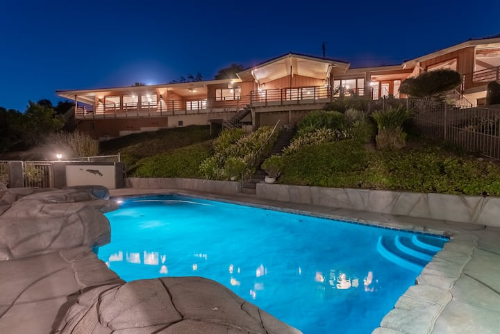Panoramic Mt. view guest house with private pool!
