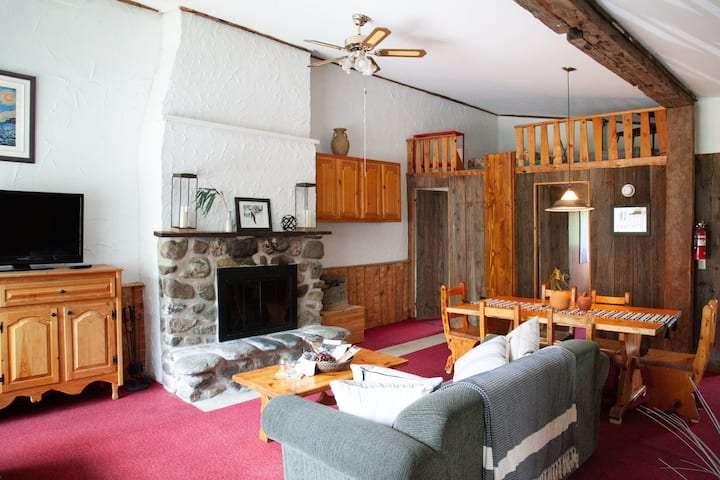 Charming Rustic Chalet