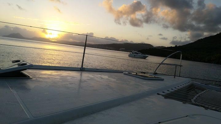 Catamaran Kimiko Sailing à l'ancre 4-6 pers