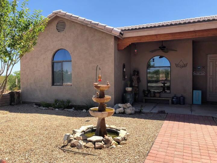 Southwestern Ranch Home-Private Room, Benson, AZ