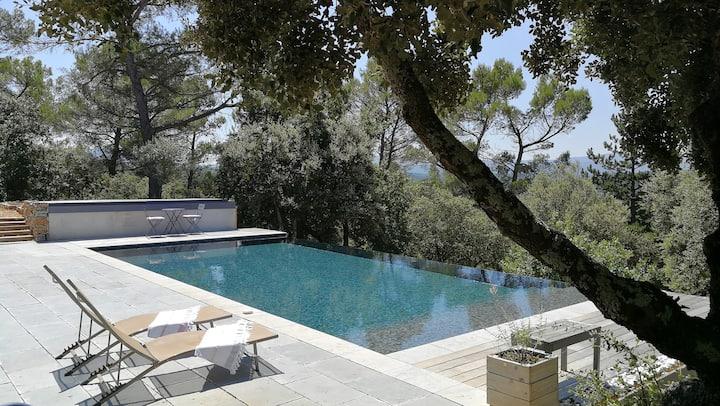 Une chambre au calme dans villa contemporaine