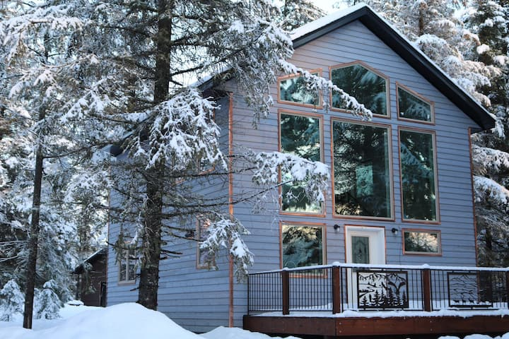 Fireweed Chalet at The Spruce Lodge