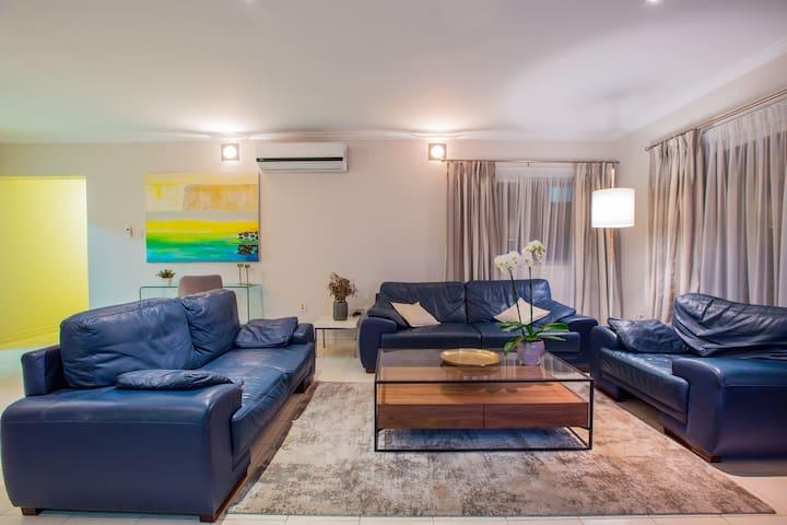 Fresh modern spacious apt in prime location