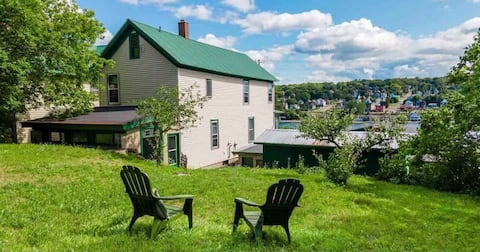 Historic house close to downtown and snowmobiling