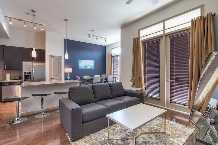 LUXURIOUS CALI KING BED MIDTOWN FULLY EQUIPPED CONDO - ⭐⭐⭐⭐⭐