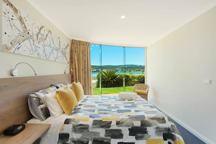 Cetacea Apartment - 2 Bedroom Lake View