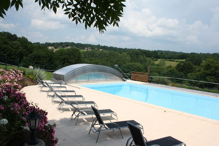 Gite 4 people, pool, spa, sauna. - Saint-Martin-de-Fressengeas - Hus