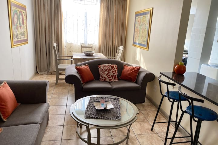 COSY , AFFORDABLE APARTMENT , 47 GLENTUI