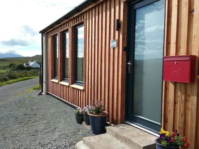 Contemporary Style Croft, Portnalong