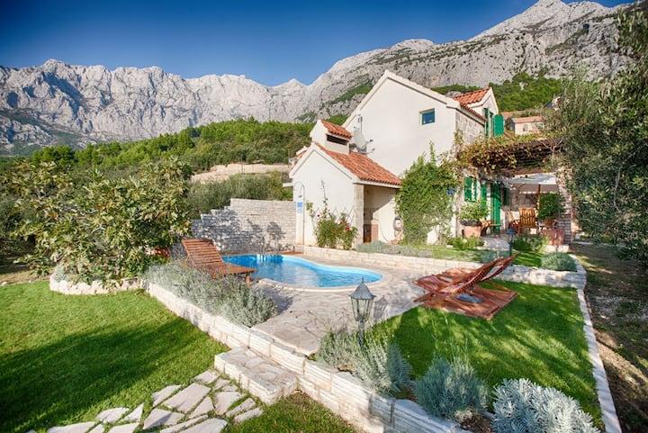 Charming Villa/Value4Money! SeaView! Pool