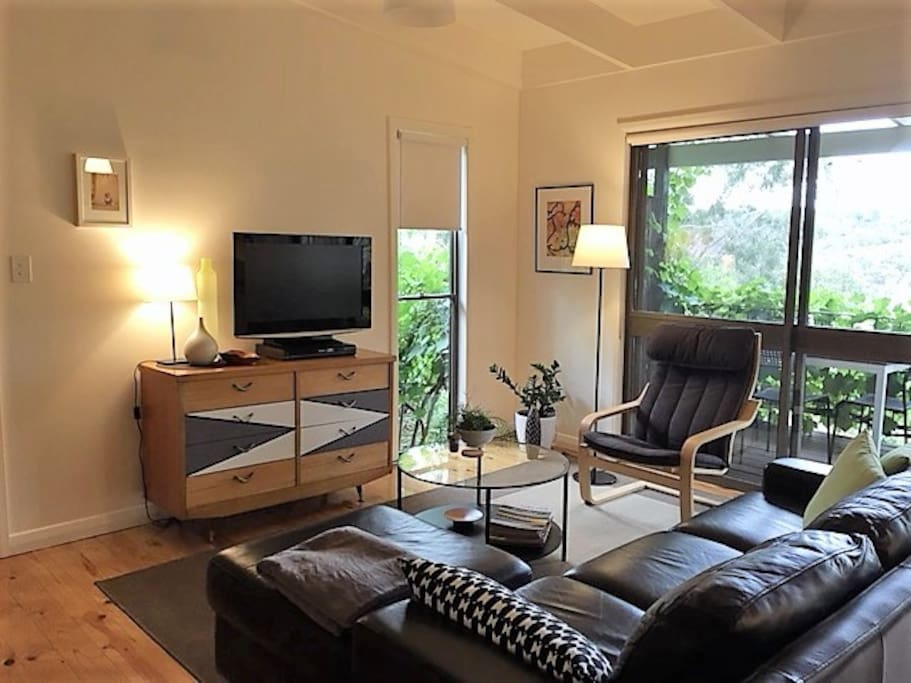 Comfortable lounge area with Netflix available