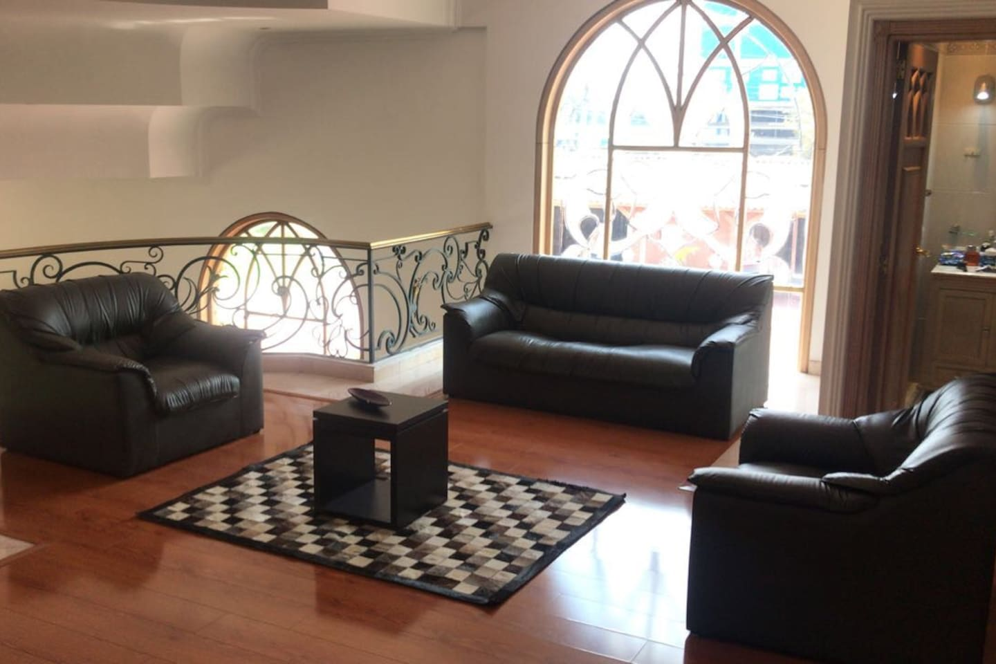 Muebles Luxury Guaymaral - Luxurious House In The Outskirts Of Bogota Cottages For Rent In [mjhdah]https://a0.muscache.com/im/pictures/b337b202-8245-4f8b-9e54-b50575656f51.jpg?aki_policy=xx_large