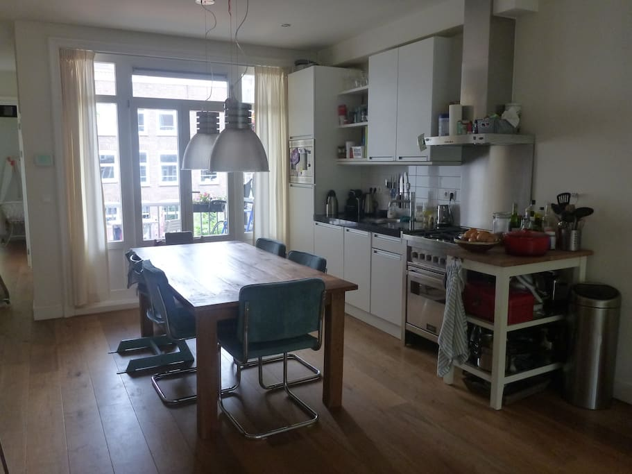 Open and fully equiped kitchen