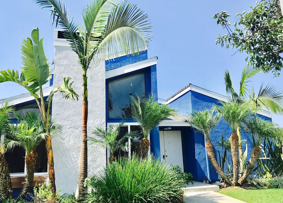 Coast villa1 welcomes you home to luxury comfort for King s fish house huntington beach
