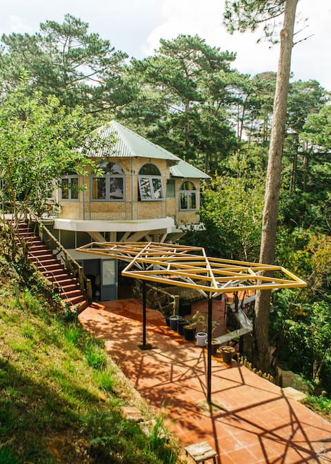 Maple Hostel - Double Room with Valley View