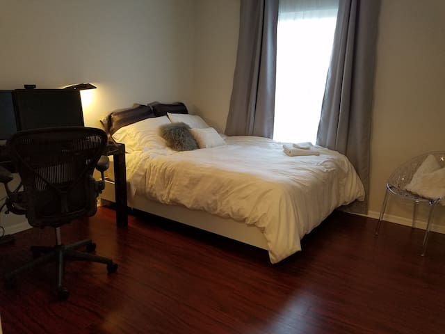 Comfy and convenient! Near Rt38 and I-295. Modern! - Mount Laurel - Condo