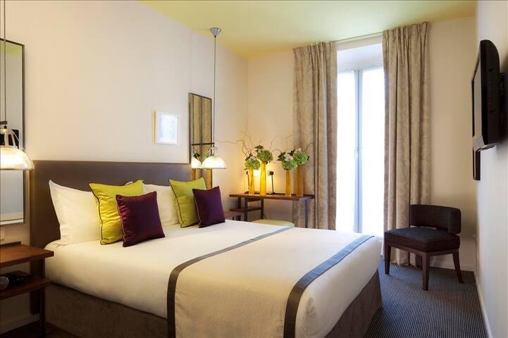 Double room between Le Marais et La Bastille