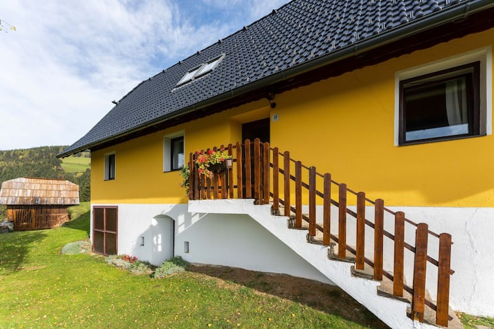 Charming Holiday Home with Garden in Eberstein