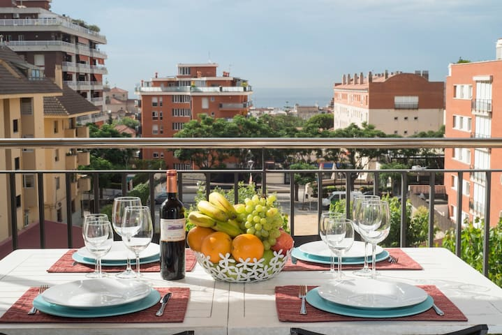 Amazing apartment near the beach& Barcelona.