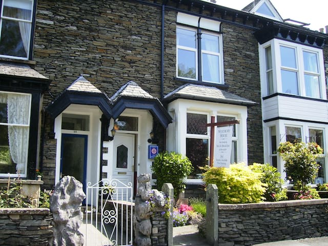 Westbury House is a Victorian terraced house - Cumbria - Bed & Breakfast