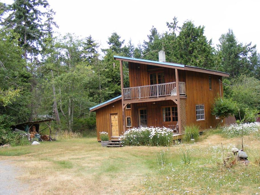 a cosy, cedar cottage built by sailors