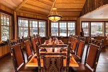 HemLocke Lodge Dining/Whiteface view