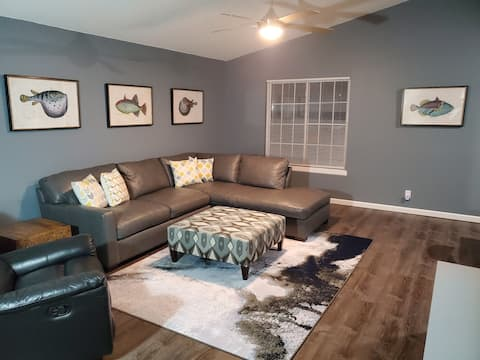 Inwood Retreat base pricing for 5 sleeps up to 12!