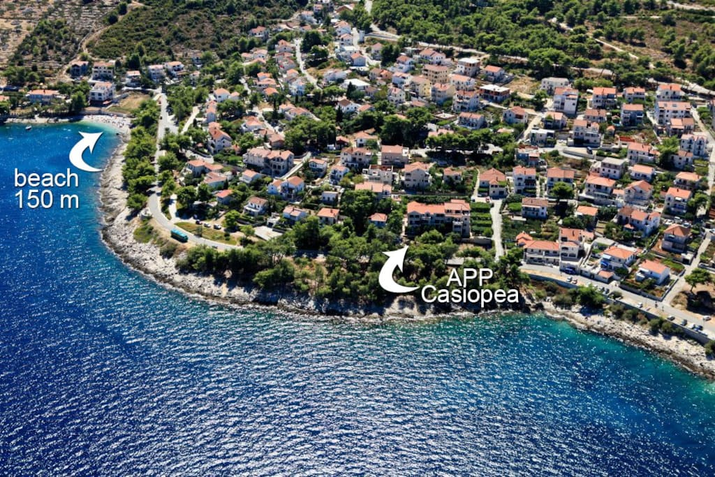 Dům je pouhých 20 m od moře
