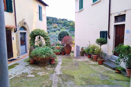 NEW! Lovely Hideaway on Florentine Hills
