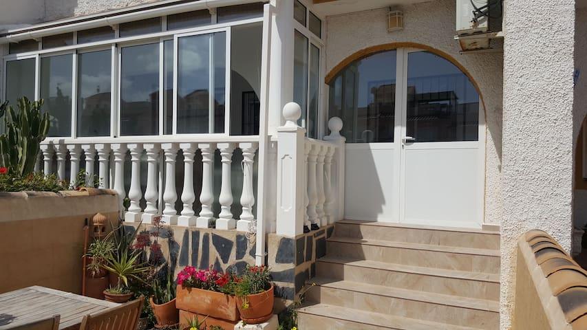 Bungalow a 200mts. de la playa - Monte Faro - Casa