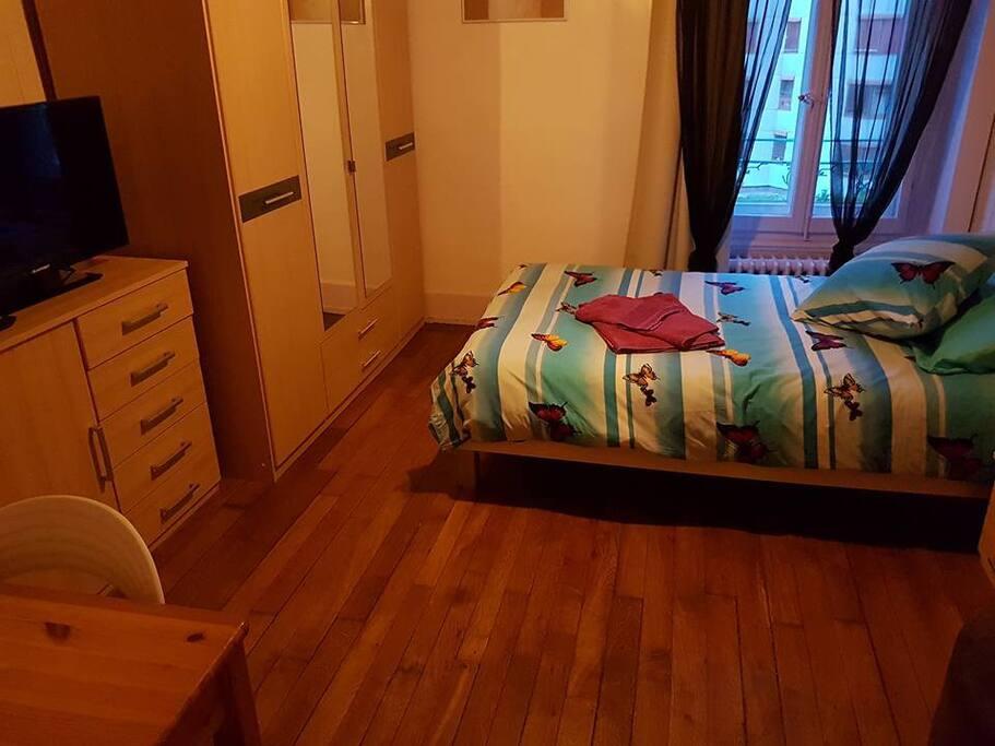 A6c1 superbe chambre centr e appartements louer for Chambre a louer a lausanne