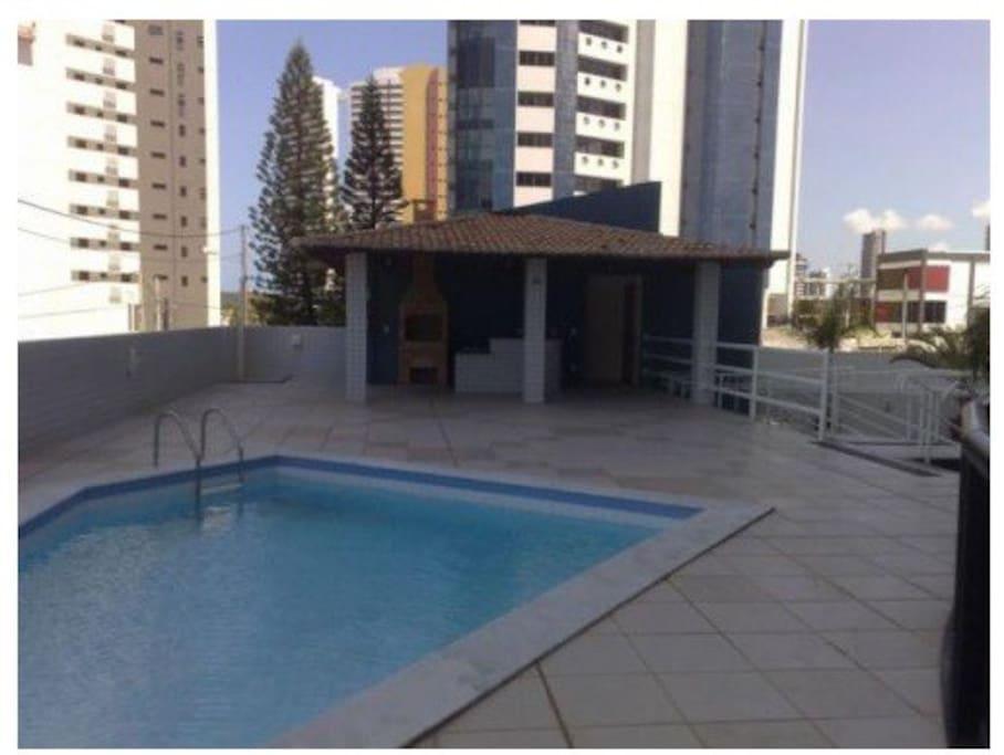 piscina y quincho social PB (piscina e churrasqueira no terreo)