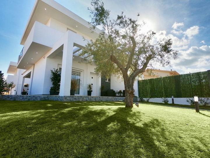Rodani's Villa - Unforgettable Sunrise