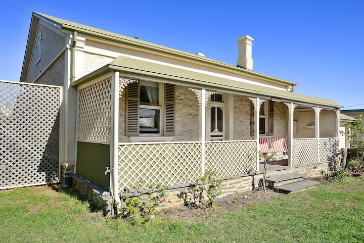 Rothesay - 1 Barbara St, Port Elliot