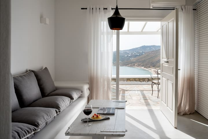 COVA MYKONOS - HONEYMOON SUITE - Elia