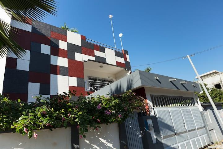La Résidence Hibiscus, Haie vive, Cotonou