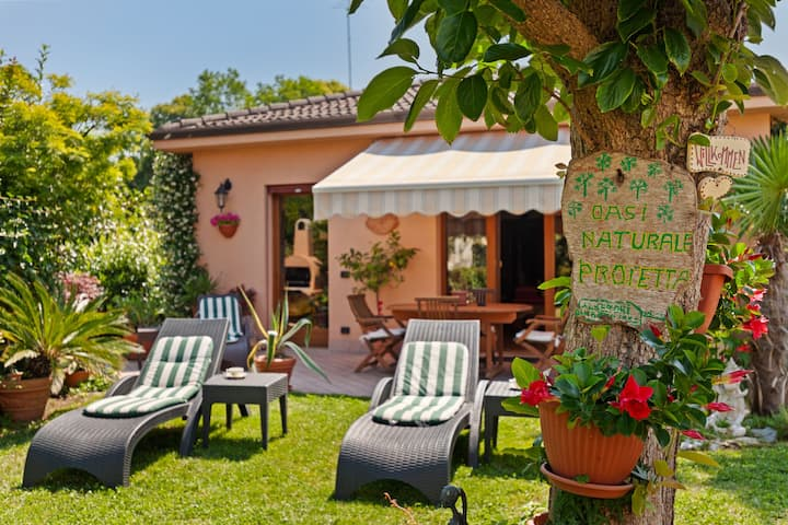 Scenic Villa in Lido di Venezia with Garden