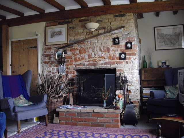 Comfortable Suffolk cottage near Aldeburgh. - Great Glemham - Dom