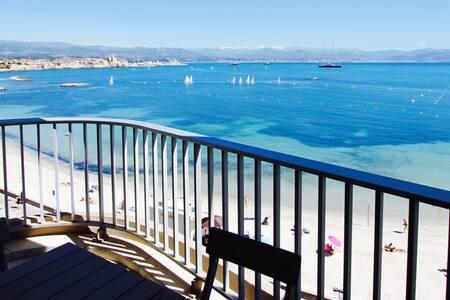 MAGNIFIQUE 2p Cap d'Antibes sur plage de la Salis - Antibes - Apartment