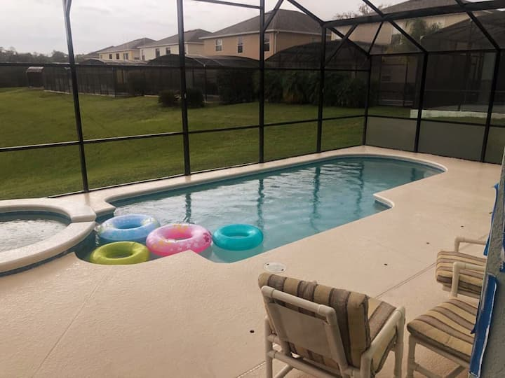 Cosy 4BD home w/game room & private pool!