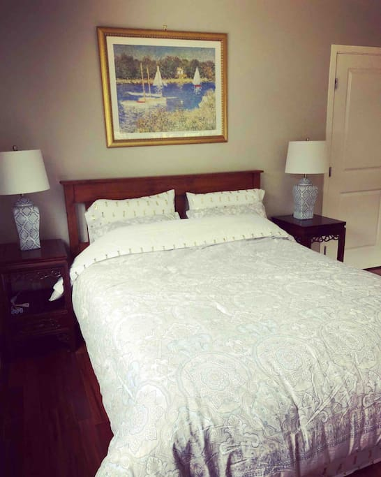 """Guest room (12'x16') with a 5'3"""" by 6'6"""" bed, two big windows, bright, fresh air and very quiet."""