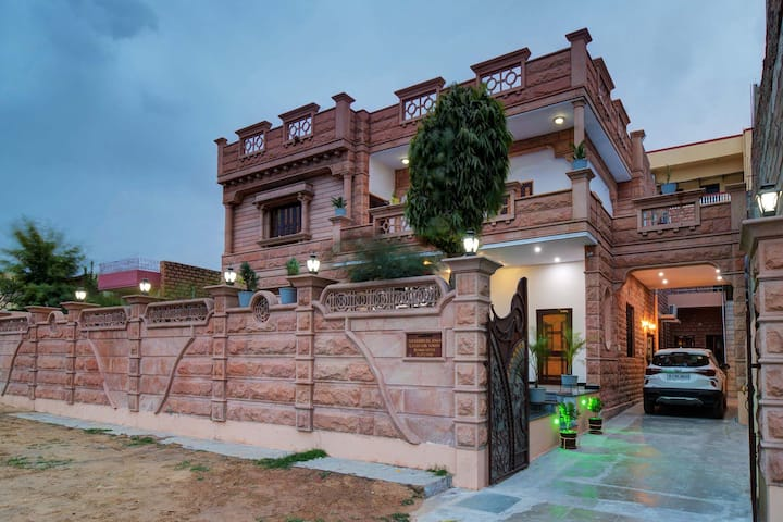 Devi Niwas 4BR - DISINFECTED BEFORE EVERY STAY