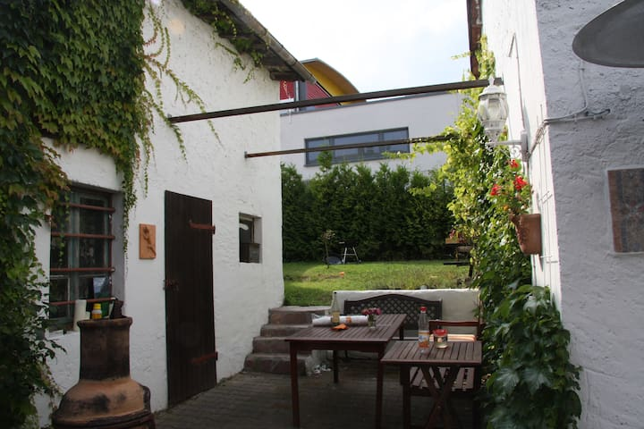 Taunus B&B,WIFI,TV(Netflix,Prime) 20 min. from FFM