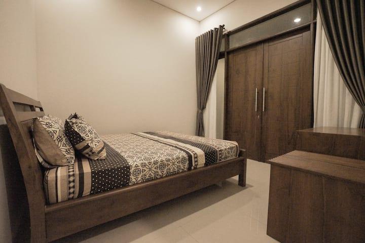 Guest House Insani Sharia Pancoran 77B (2rd Floor)